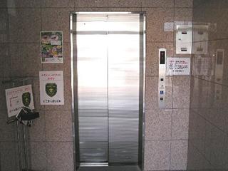 エレベーターにて3Fまでお願いします。